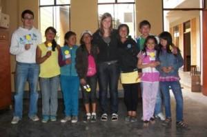 Karina und Fabian in Chachapoyas mit Kindern aus der Mantoc-Bewegung.