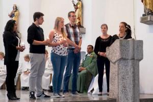 Von links: Sairita Ramirez Cruz, Daniel Schöffel, Katharina Jauch, Stefan Schwarz (2010/11 in Chachapoyas), Pater Bala (sitzend), Carina Arnold (2012/13 in Chachapoyas) und Martina Heim (2010/11 in Chachapoyas).