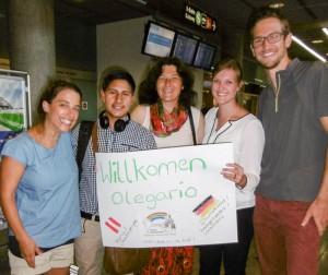 Empfang von Olegario auf dem Flughafen. Von links: Martina, Olegario, Dagmar, Karina und Stefan